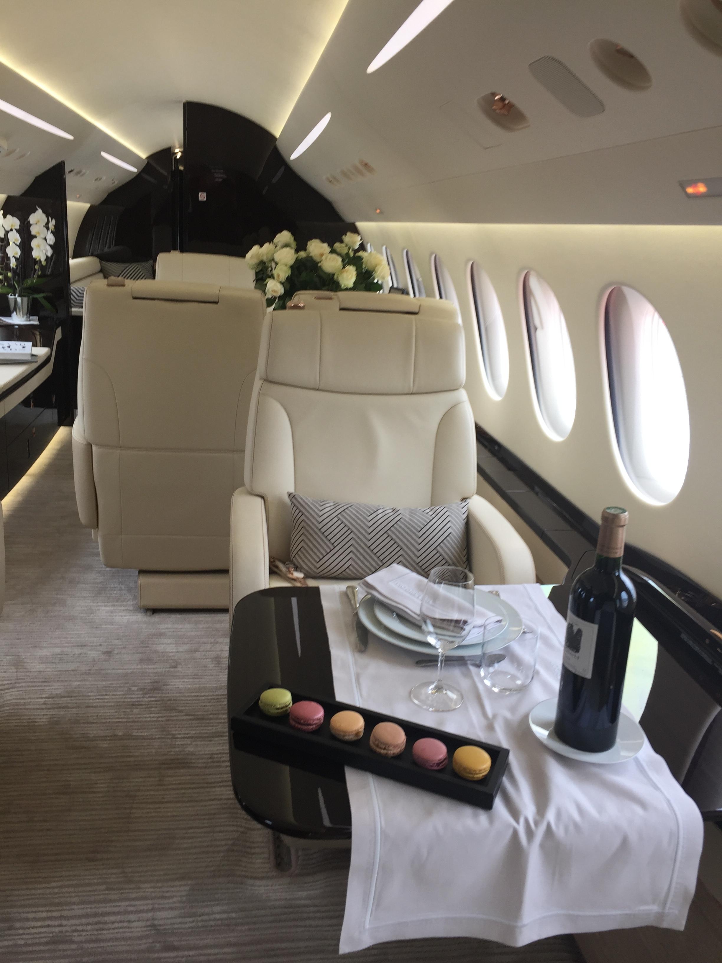 Dassault Falcon 8X cabin