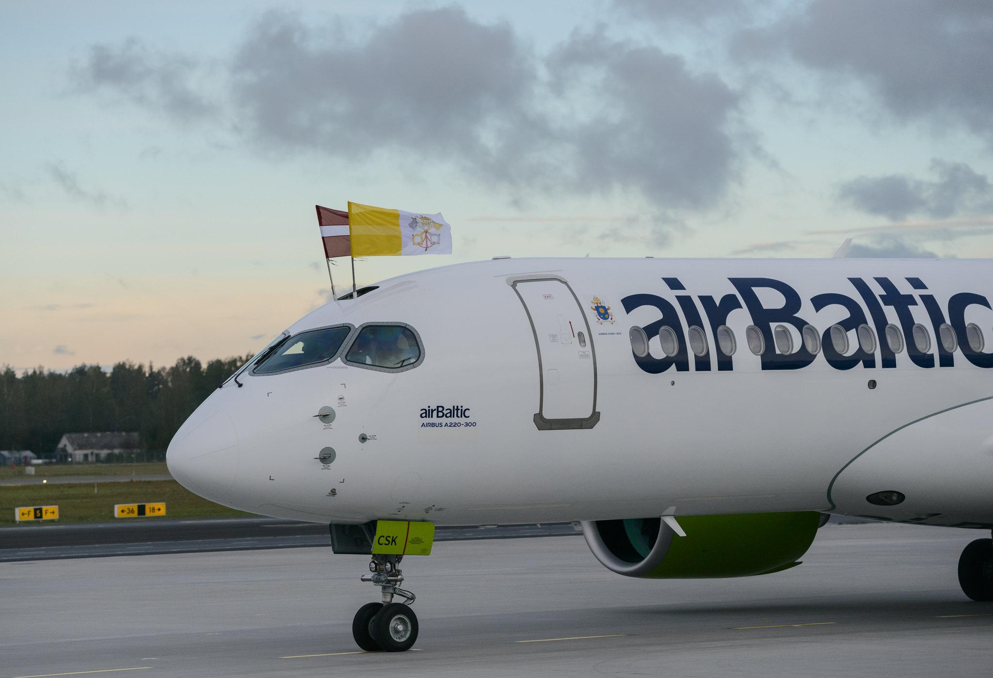 2018_09_24_airBaltic_Pope_Visit_3.jpg