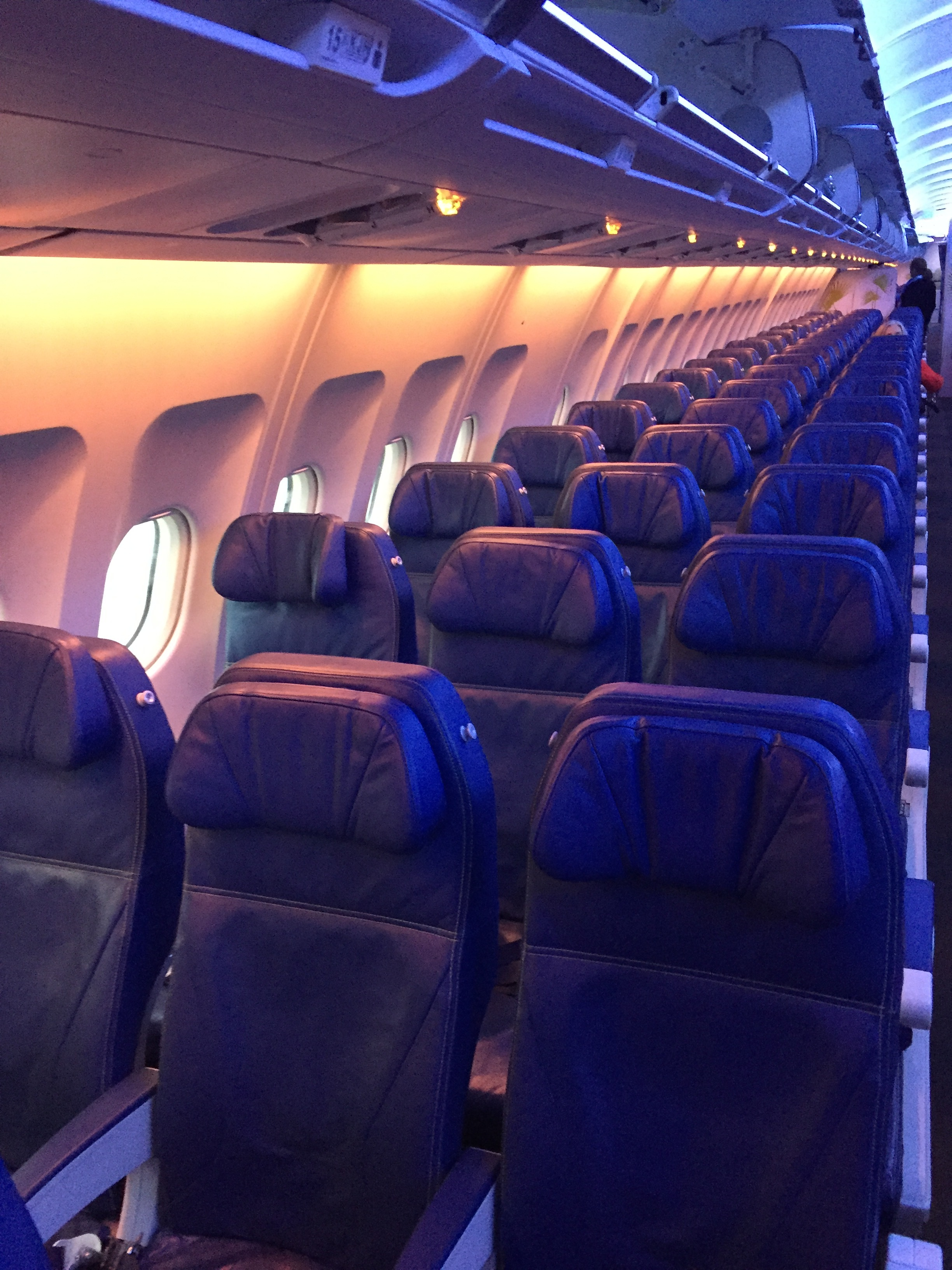 air transat economy seats.JPG