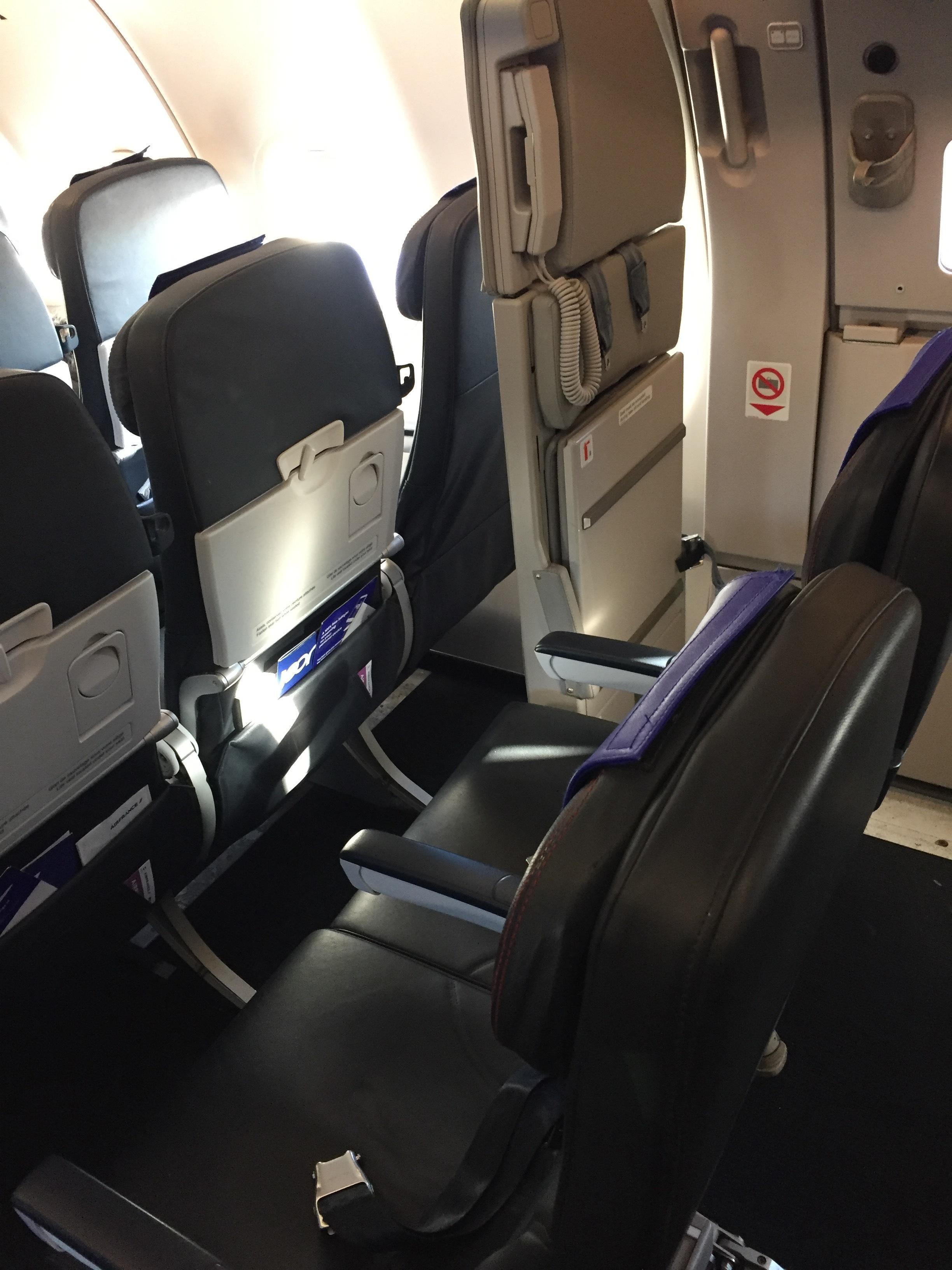 joon larger seats.JPG
