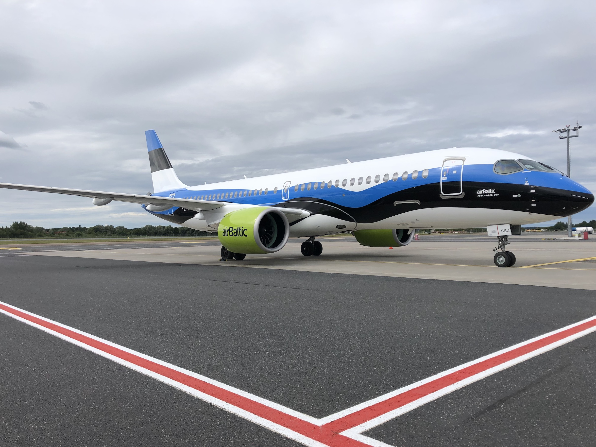 2019_06_29_airBaltic_A220_EE_Livery_3.jpeg
