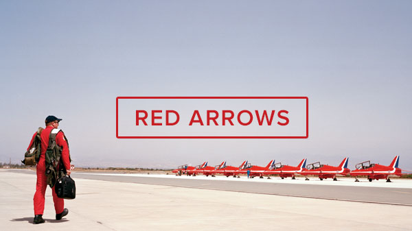 Richard Baker meets the Red Arrows >