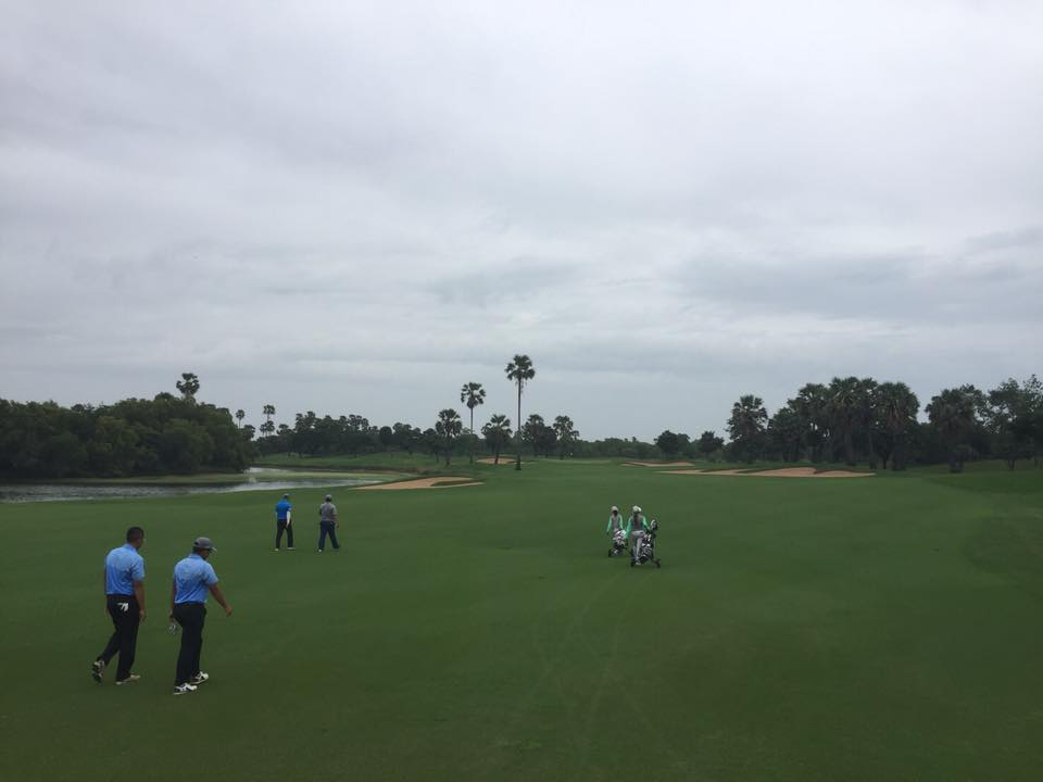 playing on the hole 3