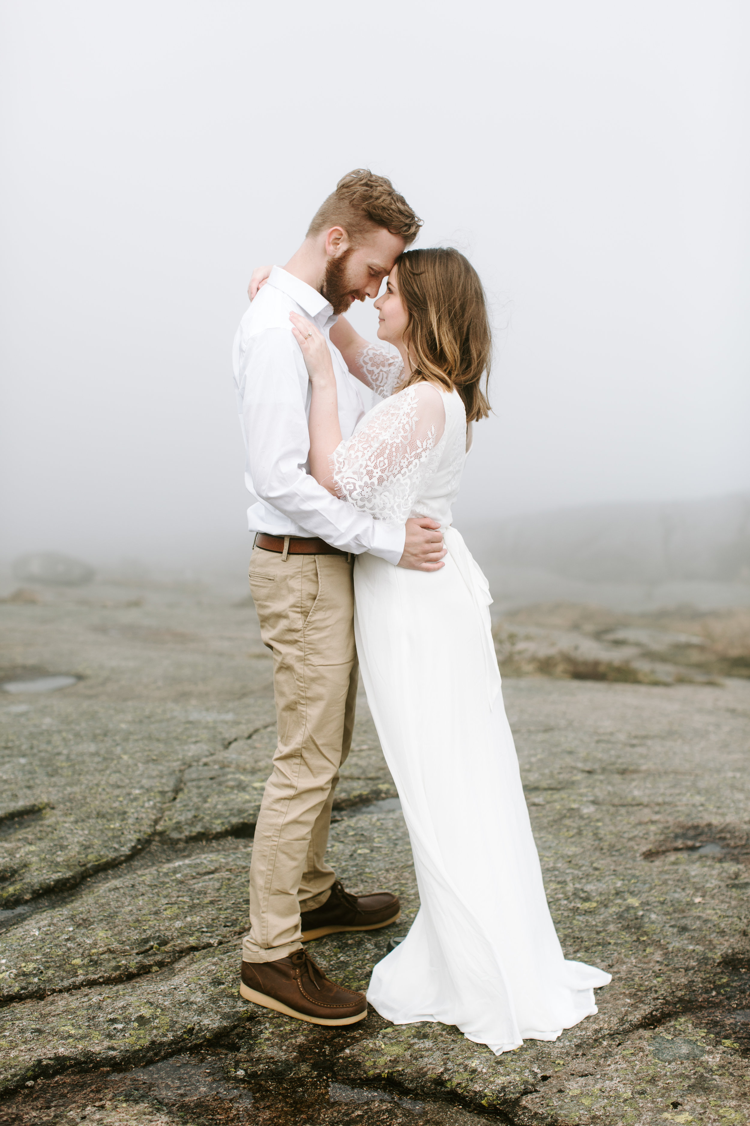 foggy bride and groom in norway