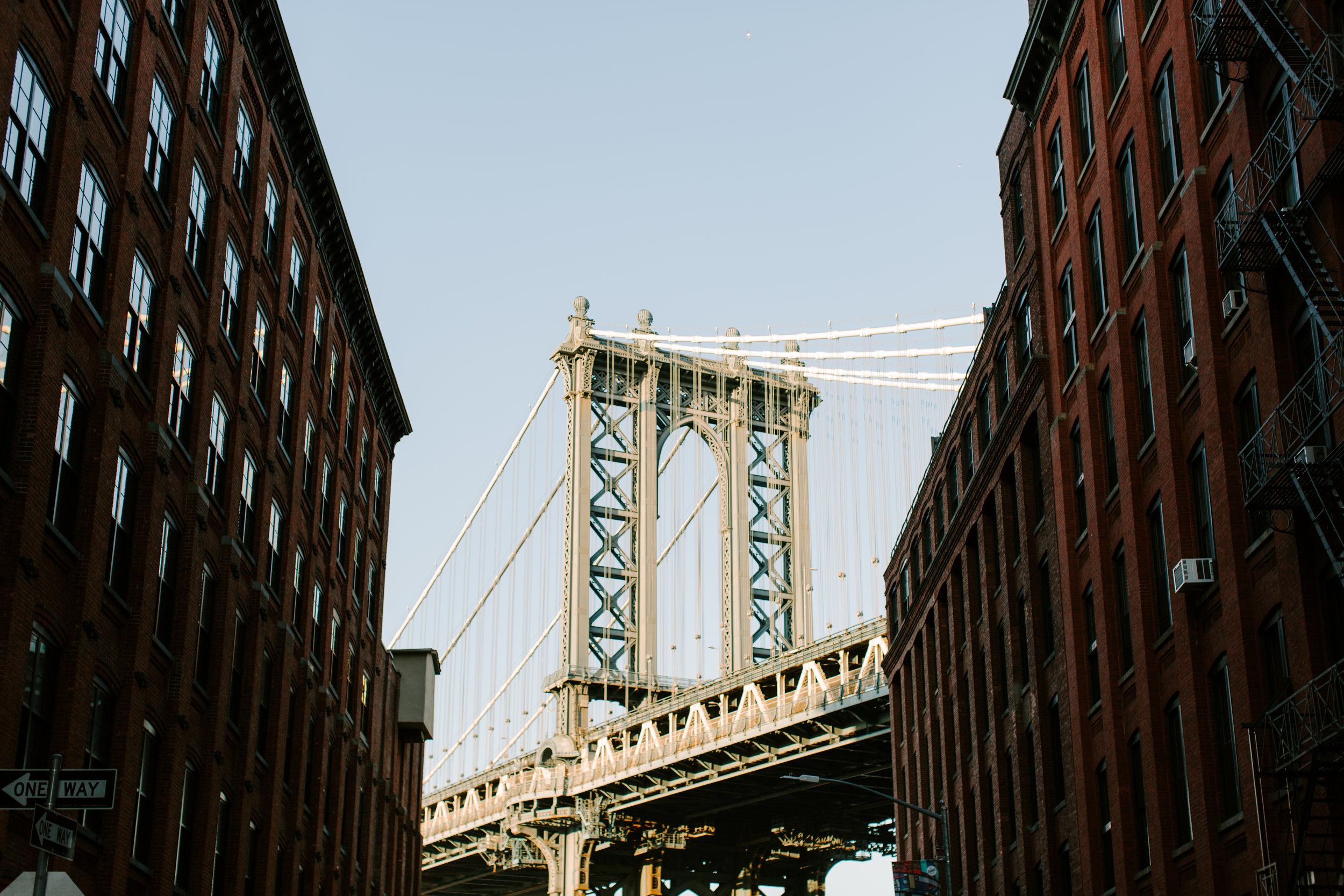 shot of the brooklyn bridge