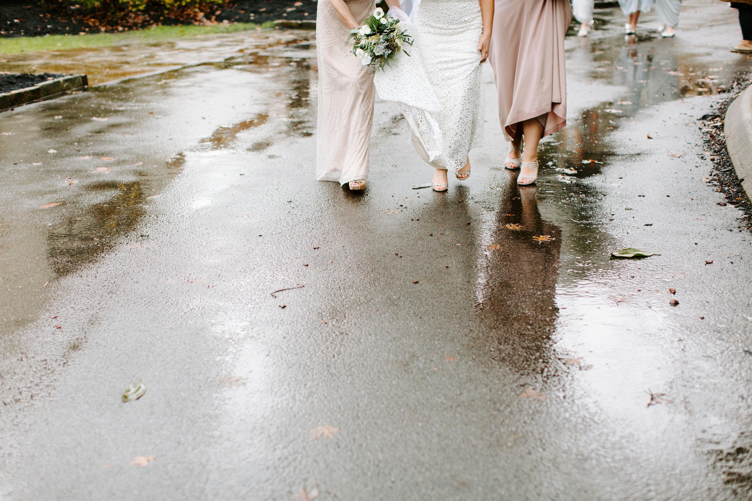 rainy rt lodge wedding day