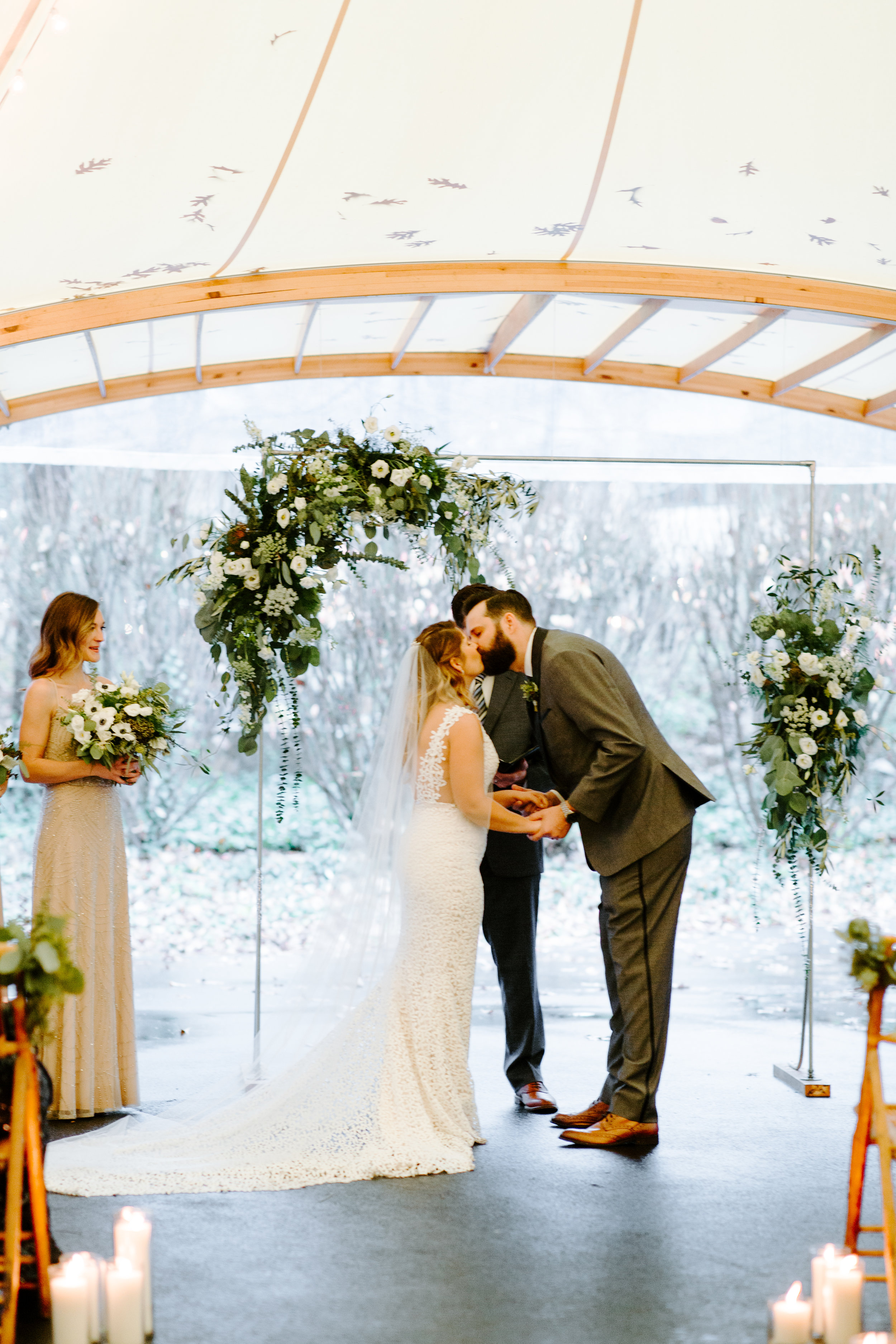 first kiss under the sperry tent at rt lodge