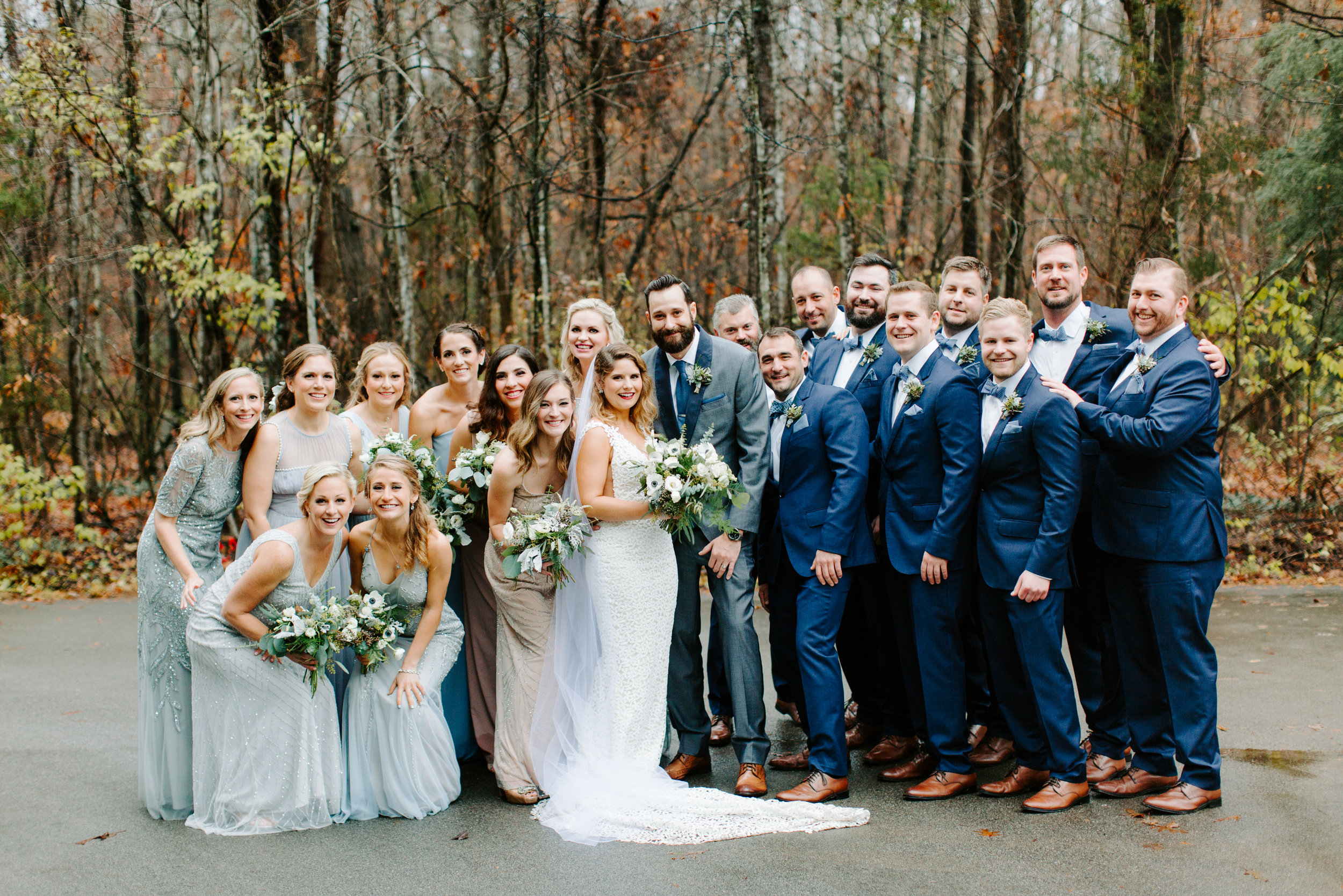 full wedding party at rt lodge