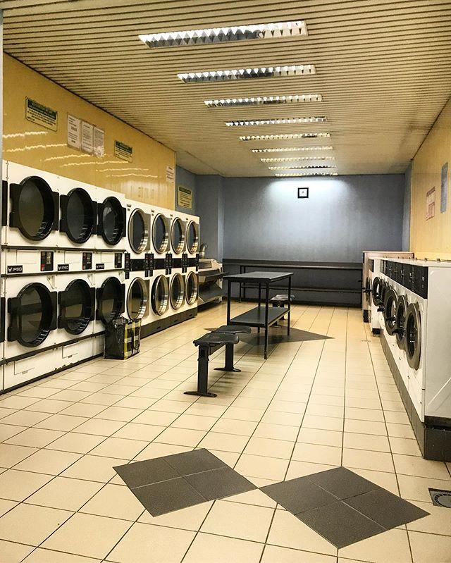 Brussels, Belgium. #laundromatsofinstagram #laundromat #waschsalon #wassalon #laundrette #launderette #coinlaundry #lavage #laundry #altourism #laverie #facade #minimalism #lavomatic #washing #brussels #belgium