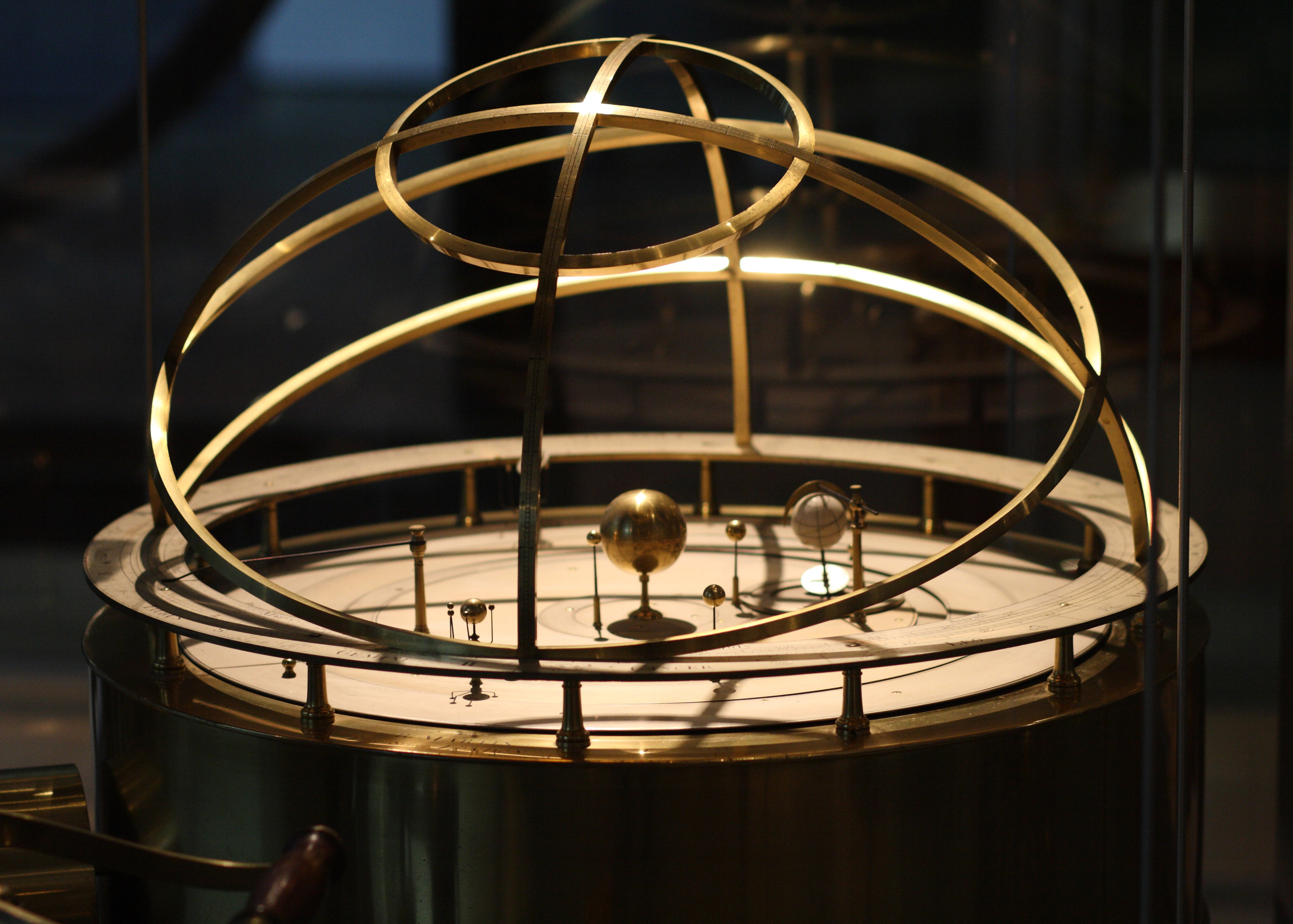 An orrery made by Benjamin Martin in London in 1767, currentlyon display at the Putnam Gallery in the Harvard Science Centre