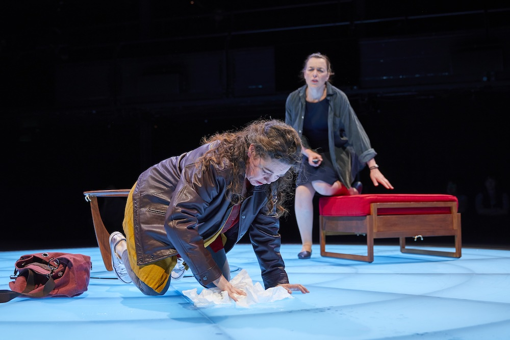 Olivia Coleman & Olivia Williams in  Mosquitoes  by Lucy Kirkwood (National Theatre: Dorfman, 2017). Photo: Brinkhoff Mogenburg
