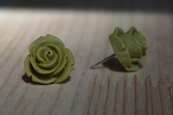 Olive-green rose earrings