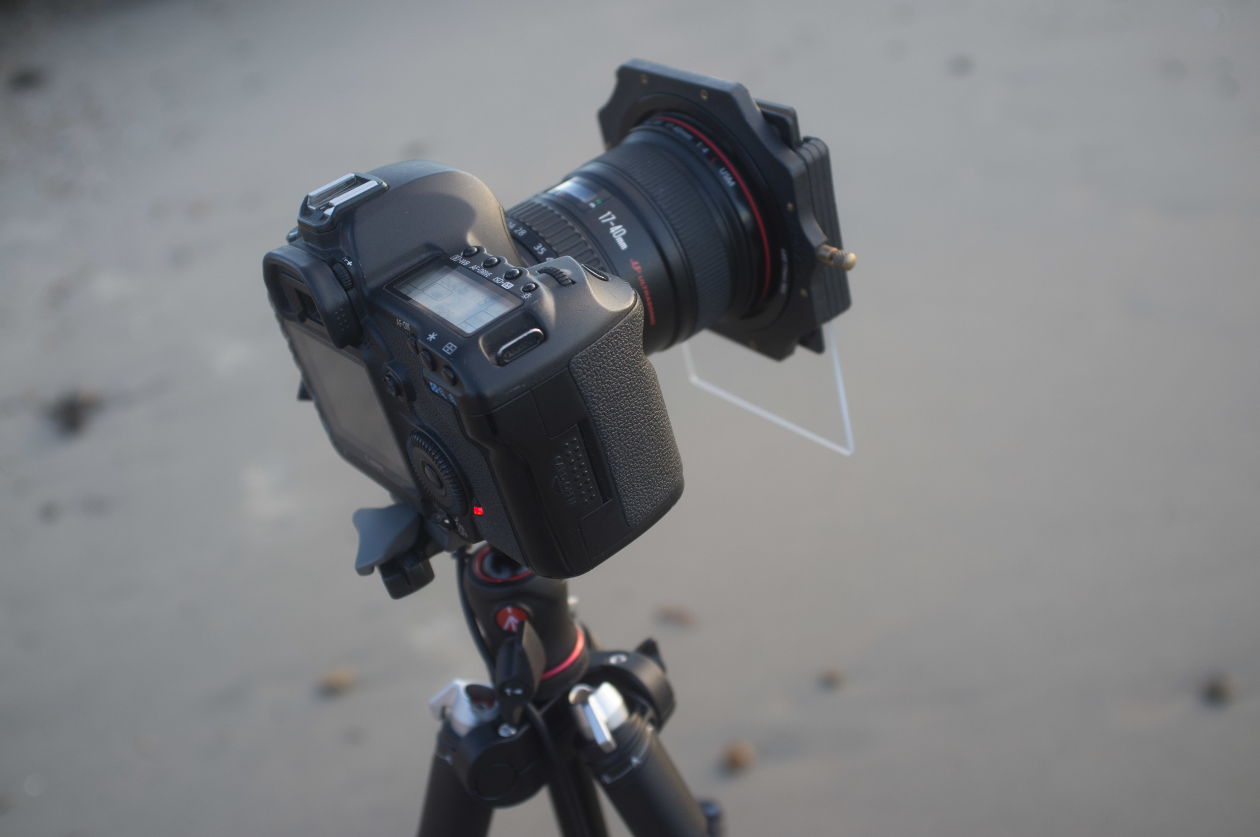 fully extended with Lee cradle, 17-40 and two Lee filters on, the locks enable the legs to fold flat for packing and low shooting