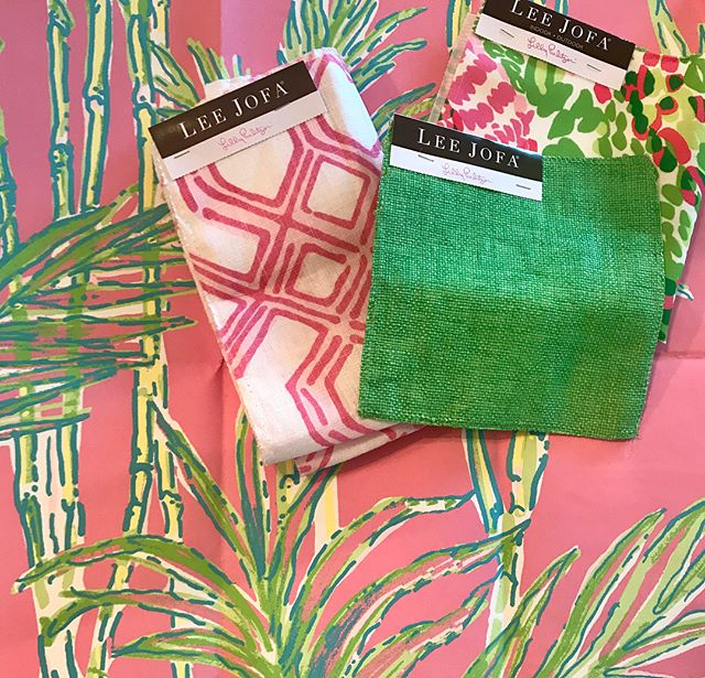 The Lilly Pulitzer collection for Lee Jofa is getting us excited for Summer. The collection includes indoor/outdoor fabrics, wallpaper, and trim! 🌸