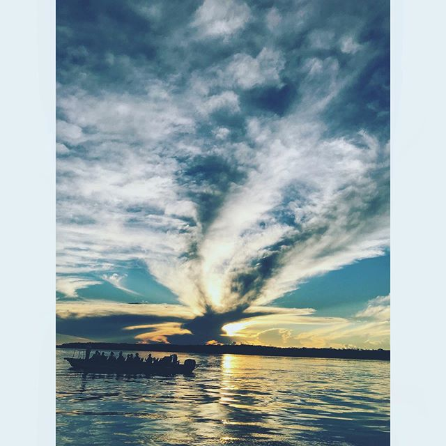 Amazing @delfinamazoncruises #sunset where the  #Amazonriver begins #Peru 🇵🇪❤️ . . . . . . #explore #vacation #tourism #tourist #instatrip #traveling #travelphotography #travelpic #travelphoto #travelblog #travelblogger #travelgram #rioamazonas  #rainforest #boat #river #Iquitos #selva #Amazonas #atardecer #amazing #view