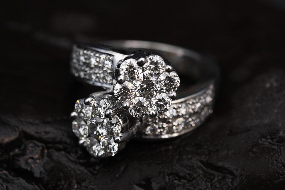 ring-2405152_960_720.jpg