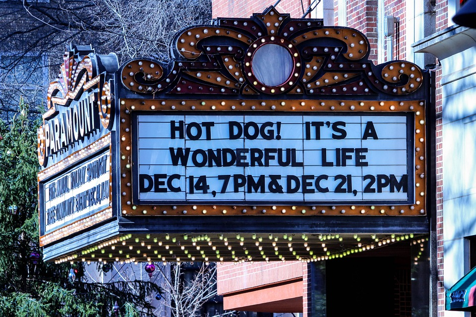 theatre-marquee-568237_960_720.jpg