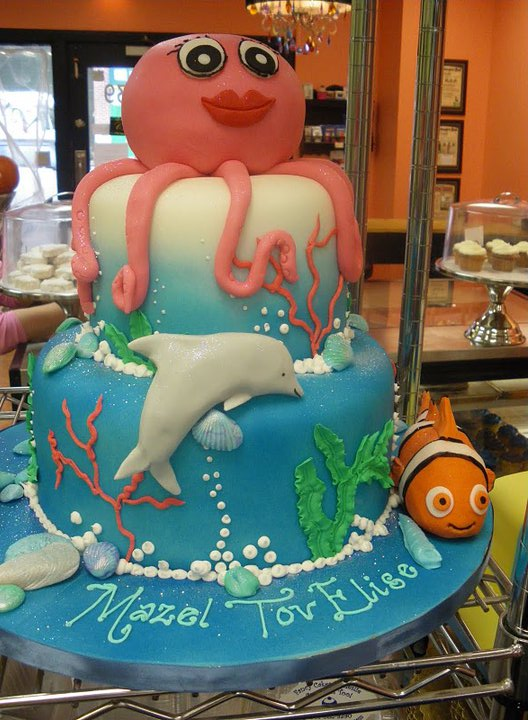 Underwater sea cake with Nemo