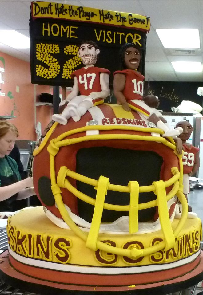 Redskins Helmet and Players Cake