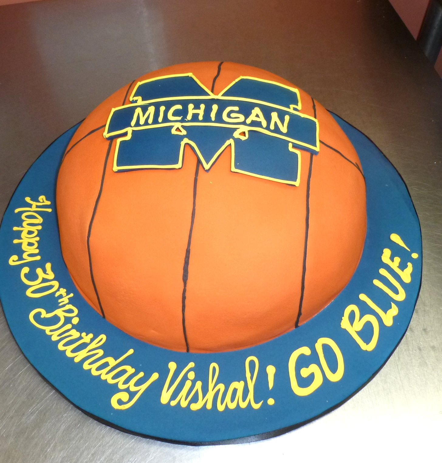 Michigan Basketball Cake
