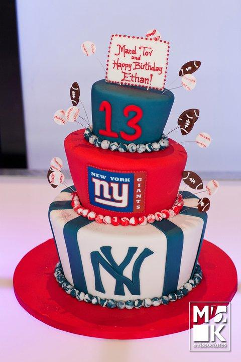 NYYankee and NY Giants Cake.jpg