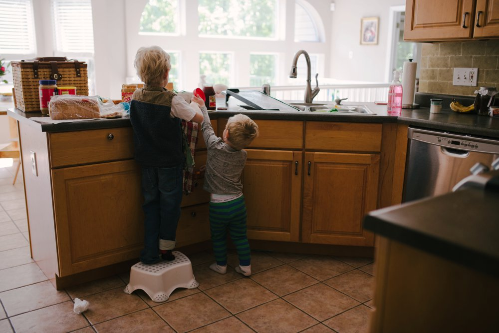 Day_in_the_life_Illinois_family_documentary_photographer_0098.jpg