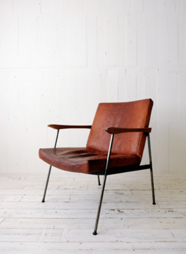 Furrowed Leather Arm Chair 695 x 690 x 800  TRUCK $1282