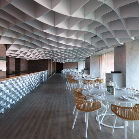 dezeen_Vammos-Restaurant-by-LM-Architects_sq_1.jpg