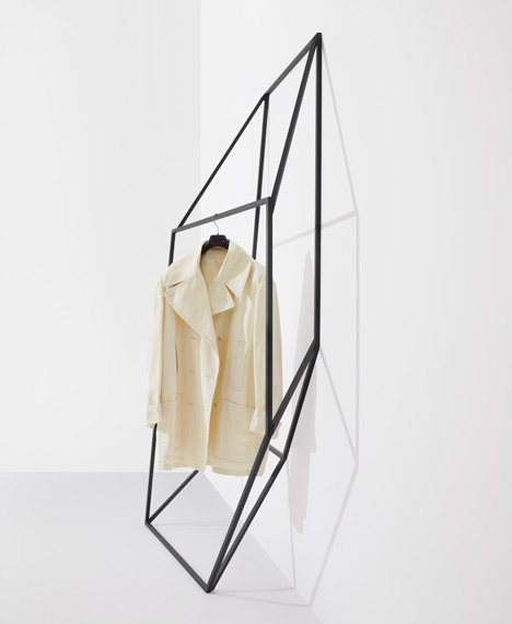 3D clothes rails designed by Canadian studio +tongtong.