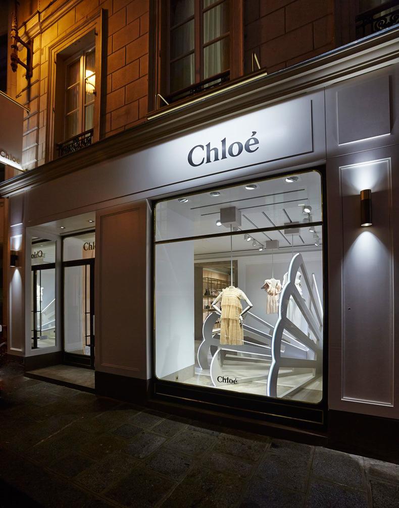 Chameleon_Chloe-St-Honore_WIndows_01.jpg