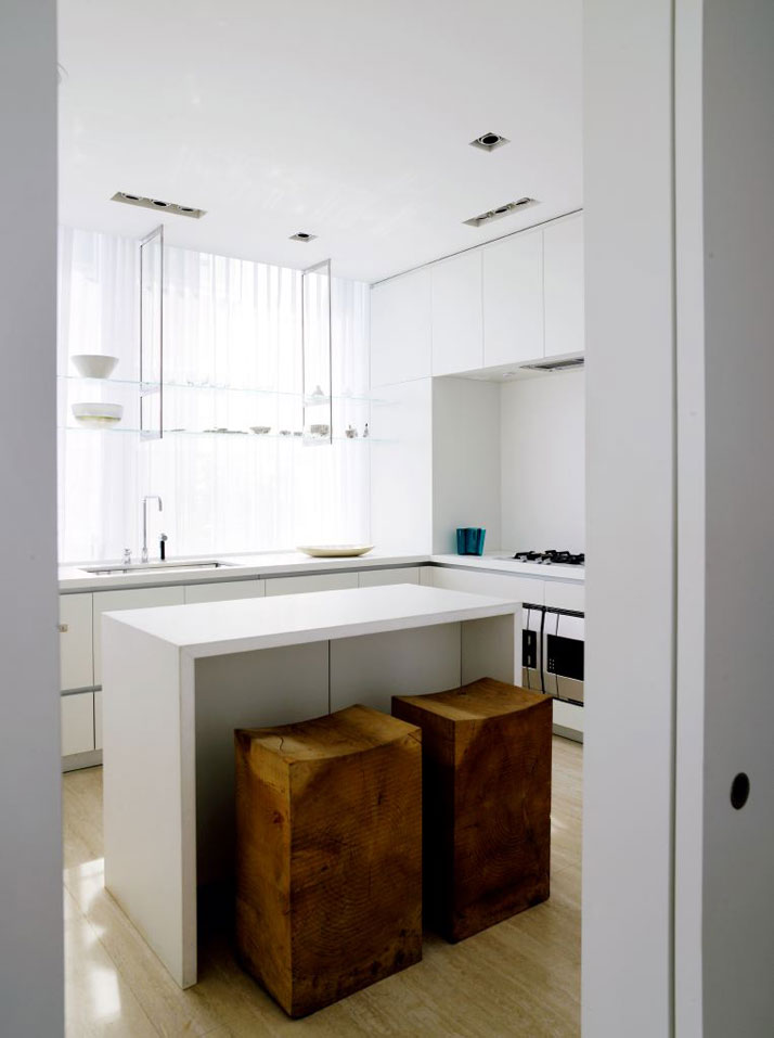 Yabu-Pushelberg-Perry-Street-Apartment-NY-photo-Richard-Powers-yatzer-19.jpg