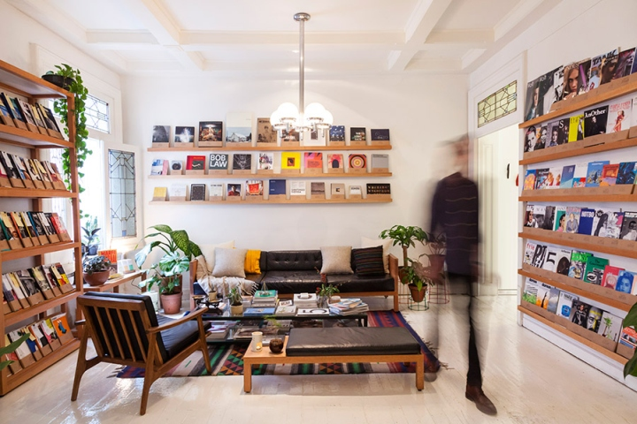 Casa-Bosques-Bookshop-by-Savvy-Studio-Mexico-City-02.jpg