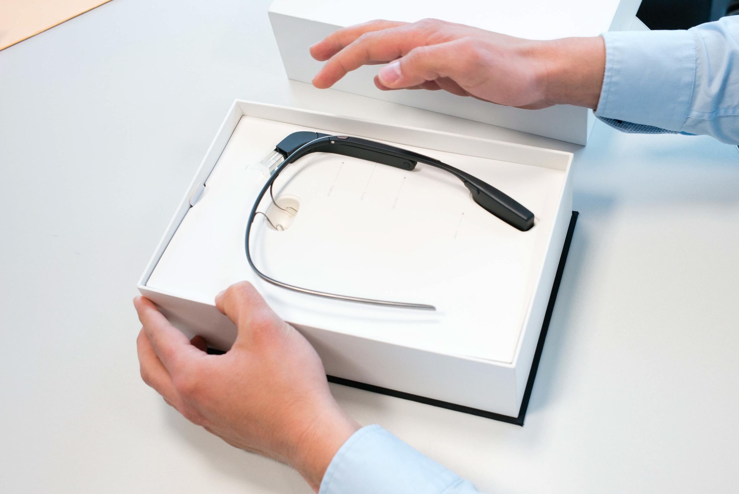Avec les Google Glass, Google vient aussi d'inventer les lunettes qui ne se plient pas !