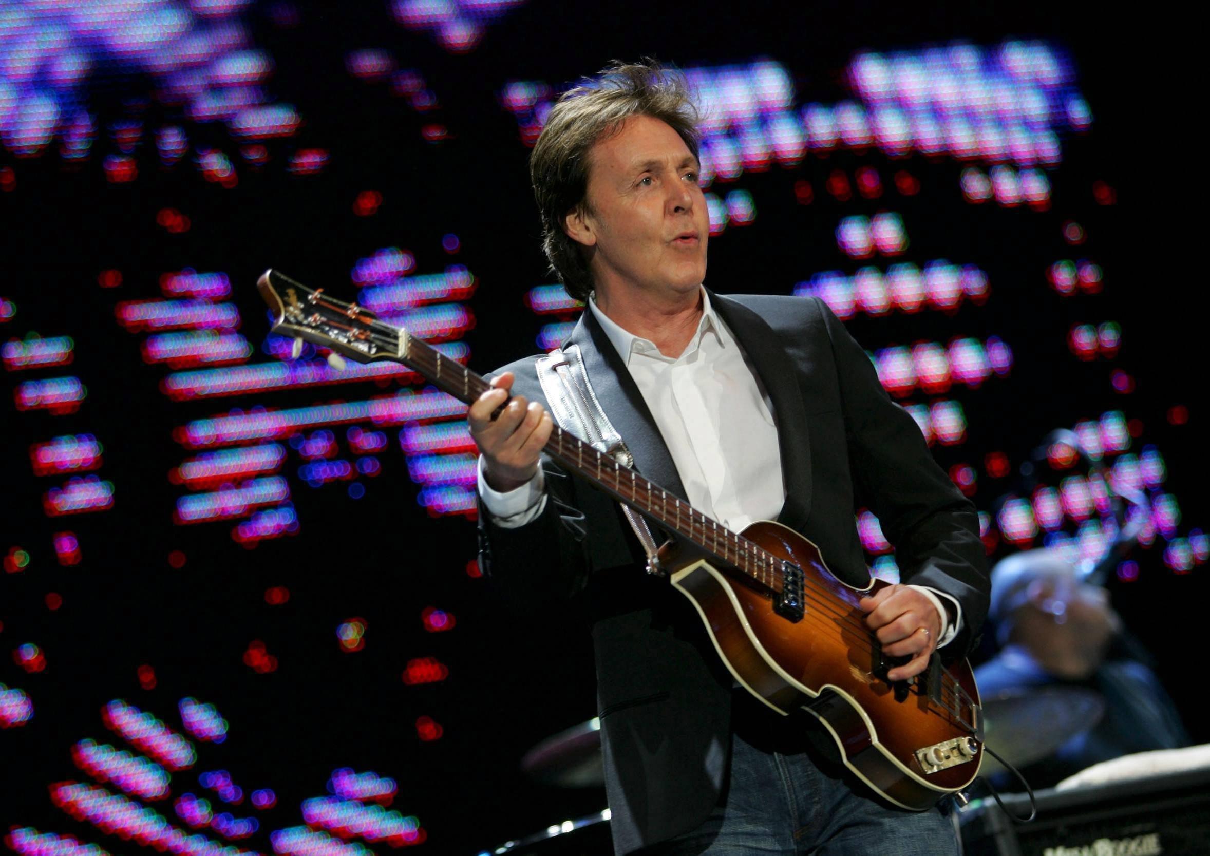 En solo ou à plusieurs, Paul McCartney toujours aussi efficace.