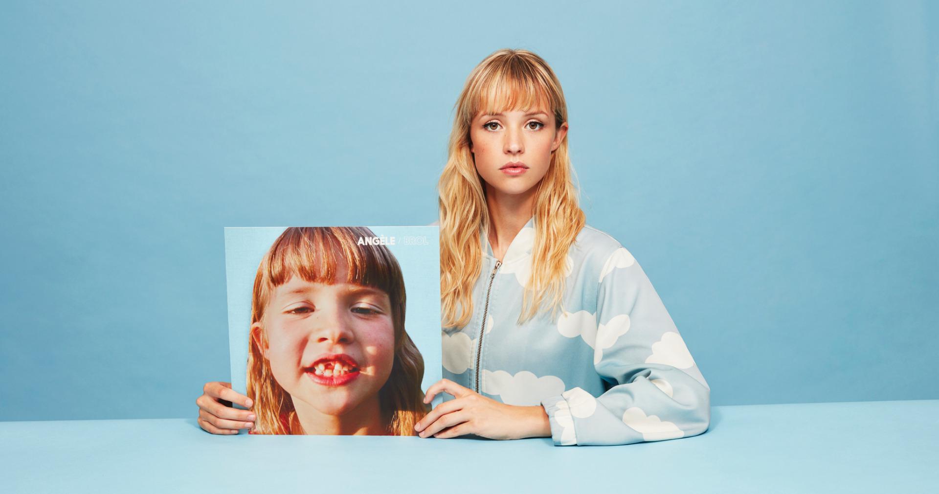 Angèle, avant / après. Photo Charlotte ABRAMOW