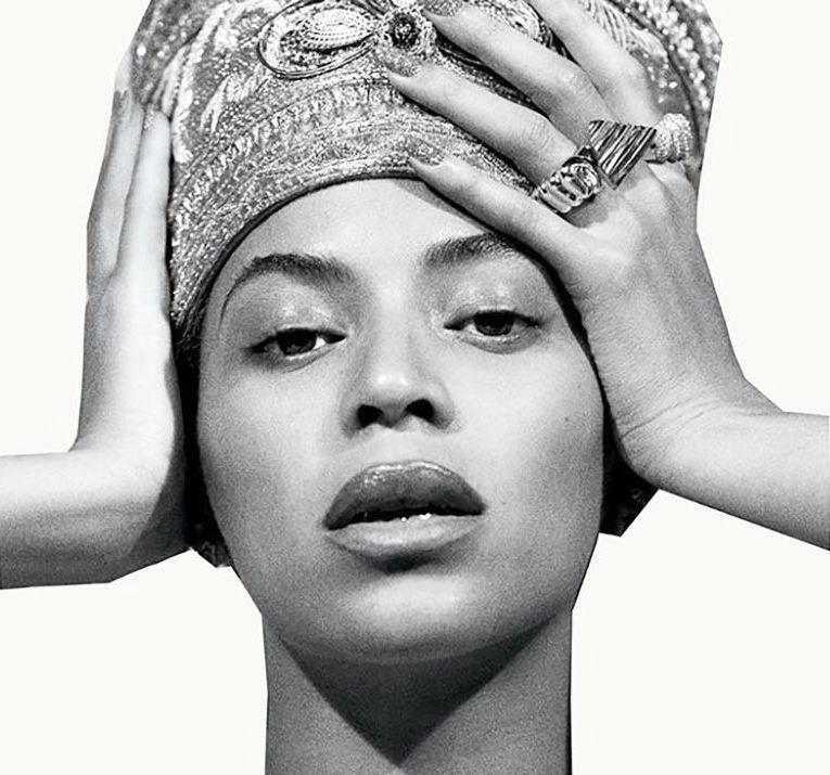 Beyoncé en Néfertiti, la reine égyptienne dont certains chercheurs ont avancé qu'elle avait la peau noire. Photo Columbia.