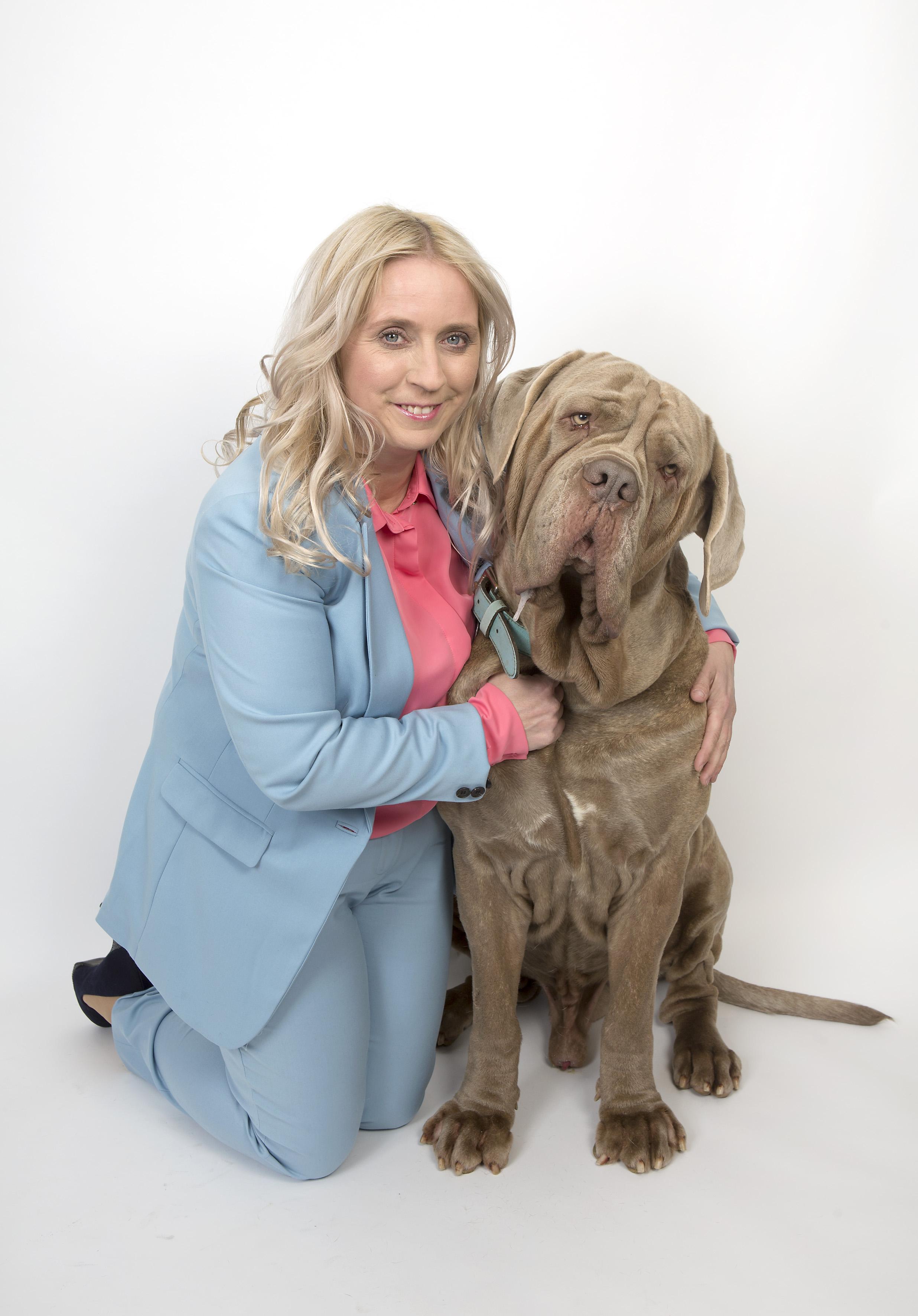http://www.dailymail.co.uk/femail/article-5428417/Massive-mutts-fashion-years-handbag-dogs.html