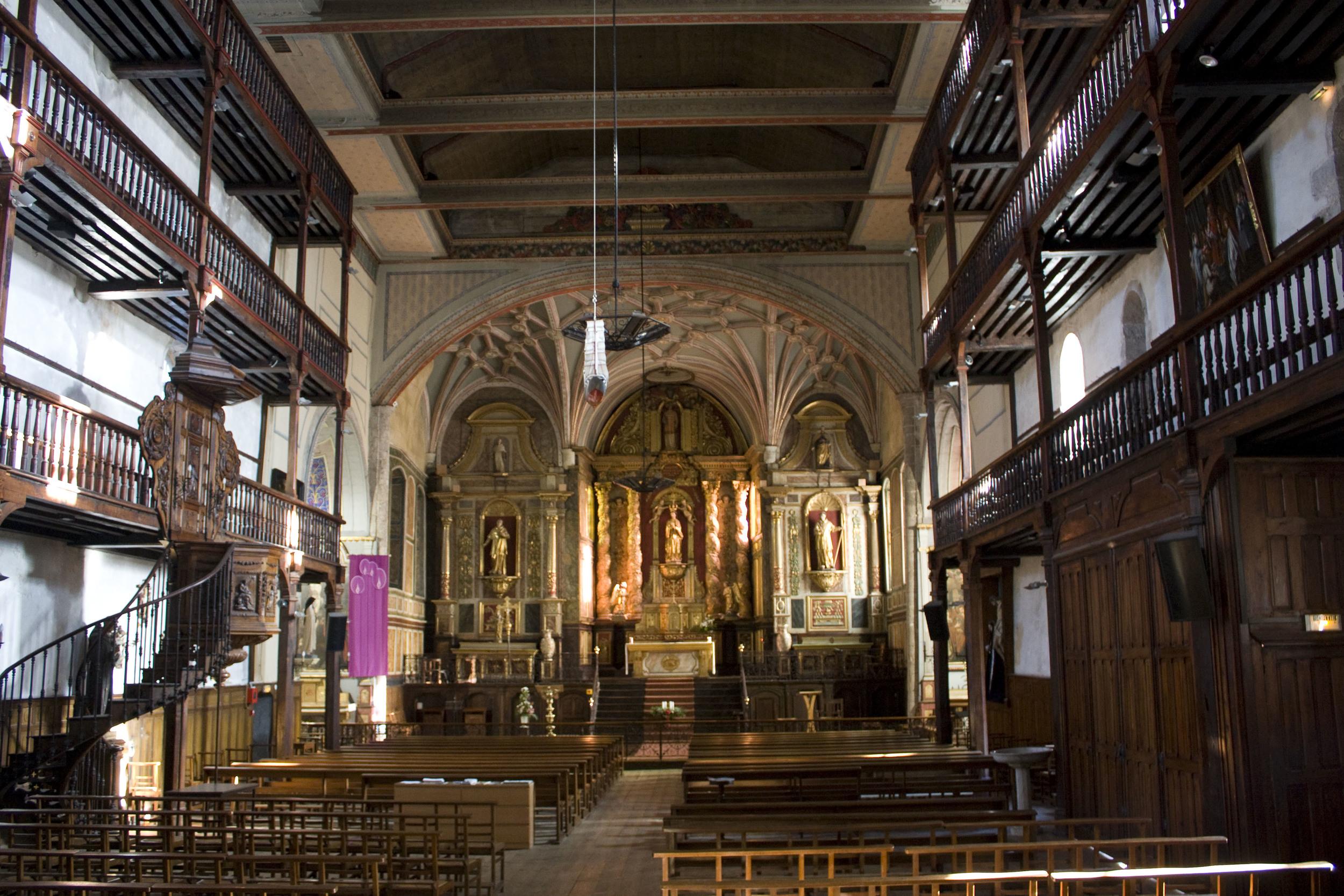 Église_Saint-Vincent_(Ciboure)-Tribunes_de_la_chaire.jpg