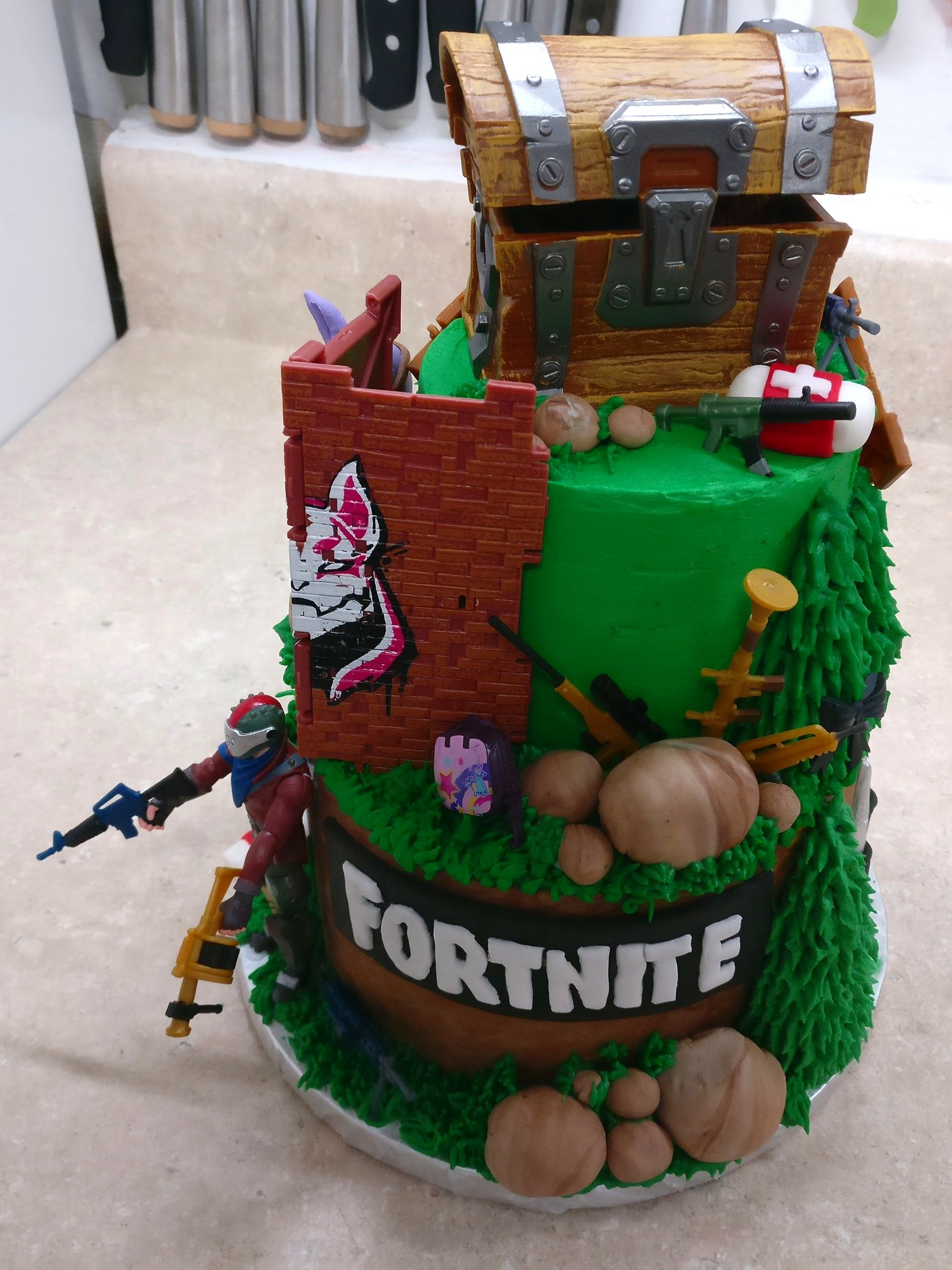 Fortnite Cake Honeybrie Sweets Fortnite fans can unlock fresh rewards by completing challenges as part of the birthday event. fortnite cake honeybrie sweets