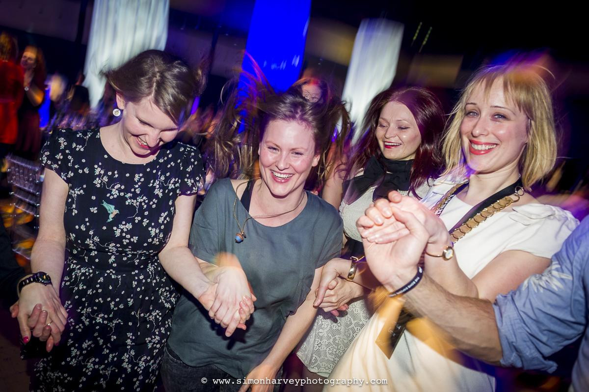 smiley_girls_dancing.jpg