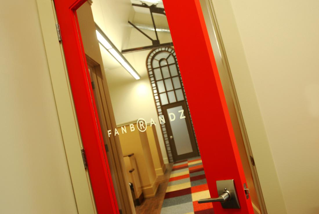 209_Suite_Red_Door_3_LR.jpg