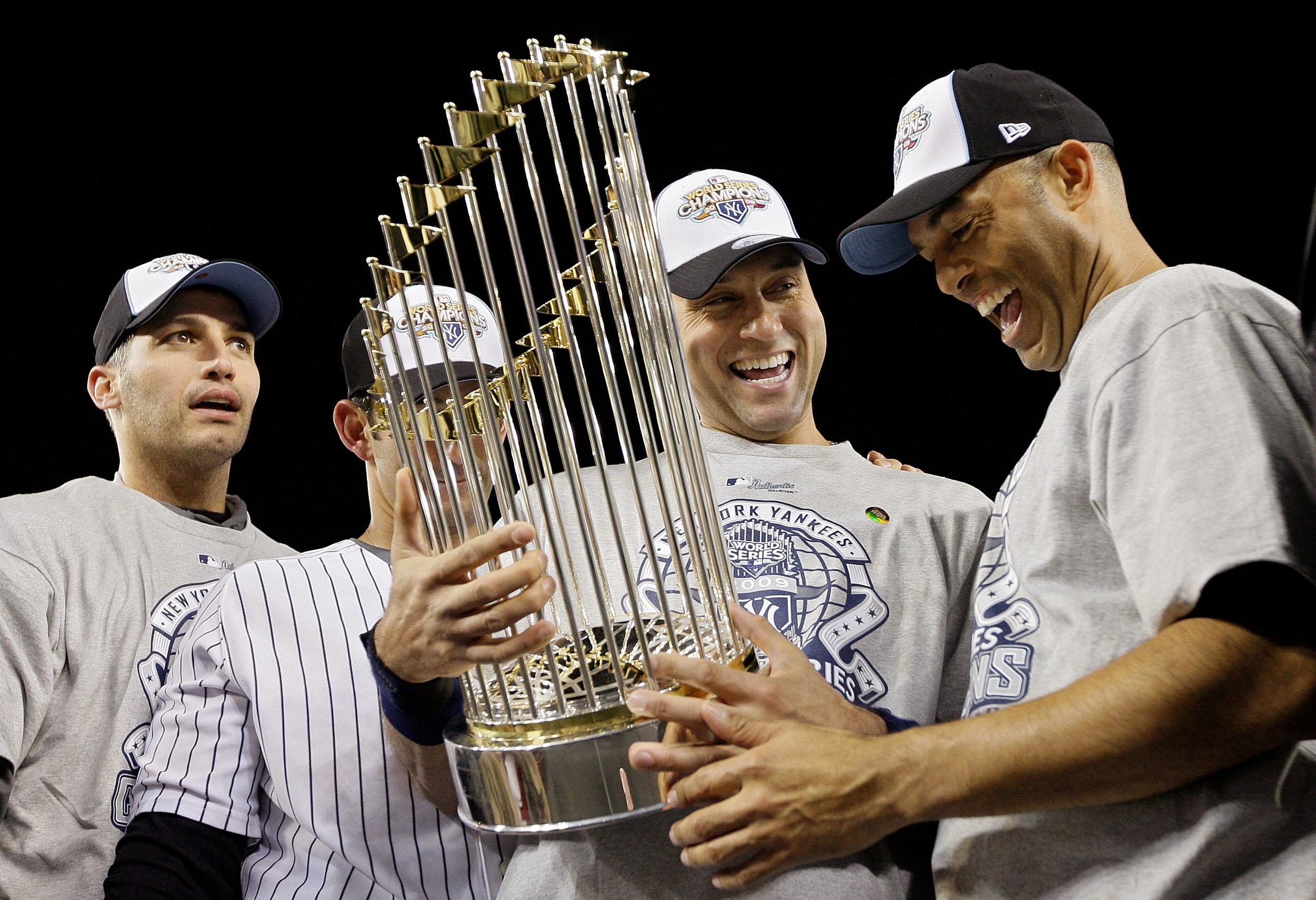World_Champions_2009_Yankees.jpg