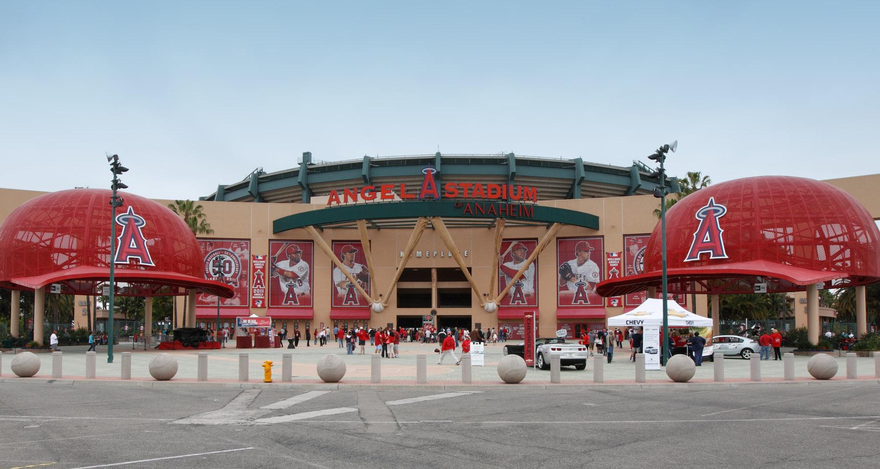 LA_Angels_Stadium.jpg