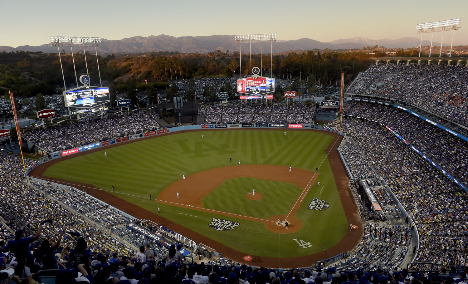 World_Series-Logo_2017_DodgerStadium.jpg