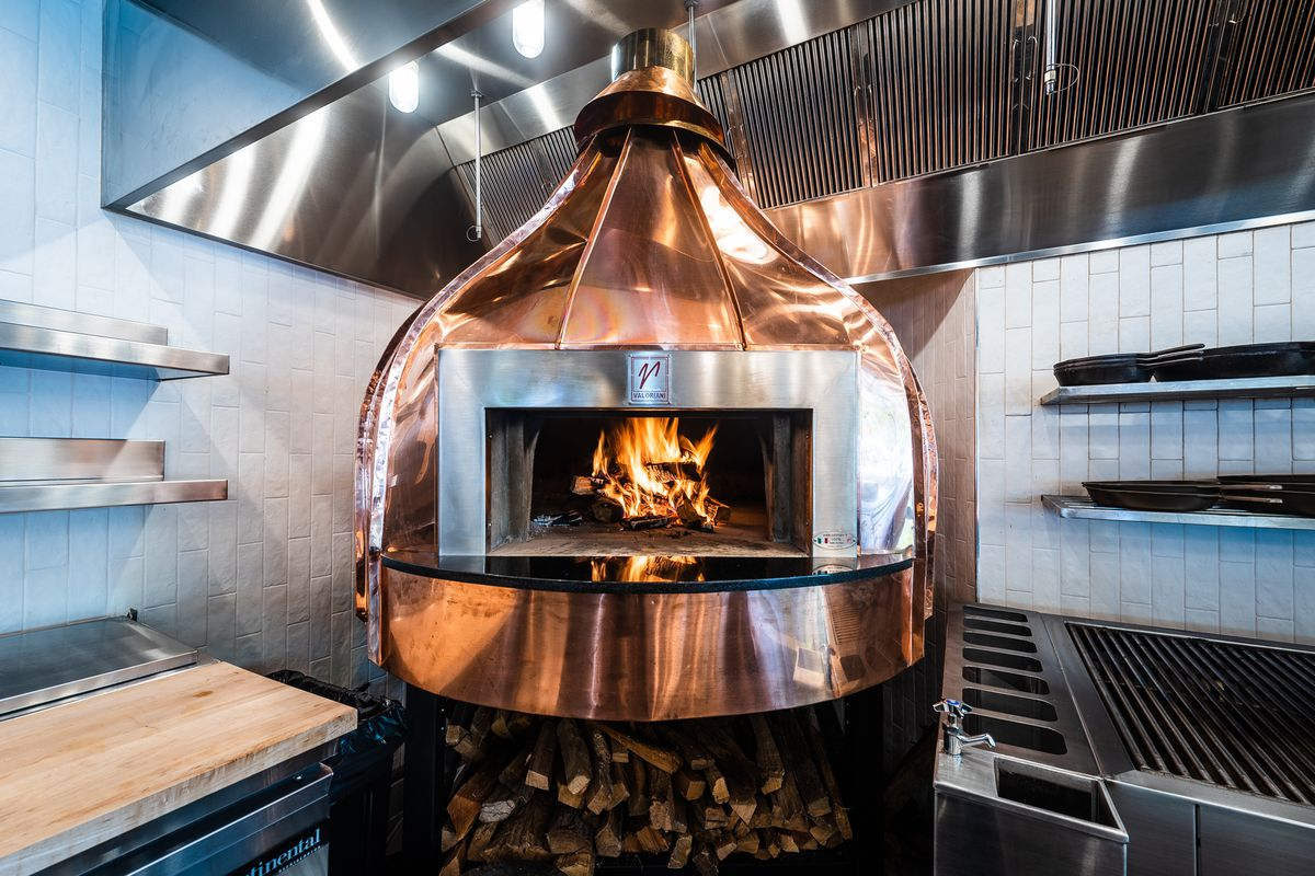 wood_burning_brick_oven.0.jpg
