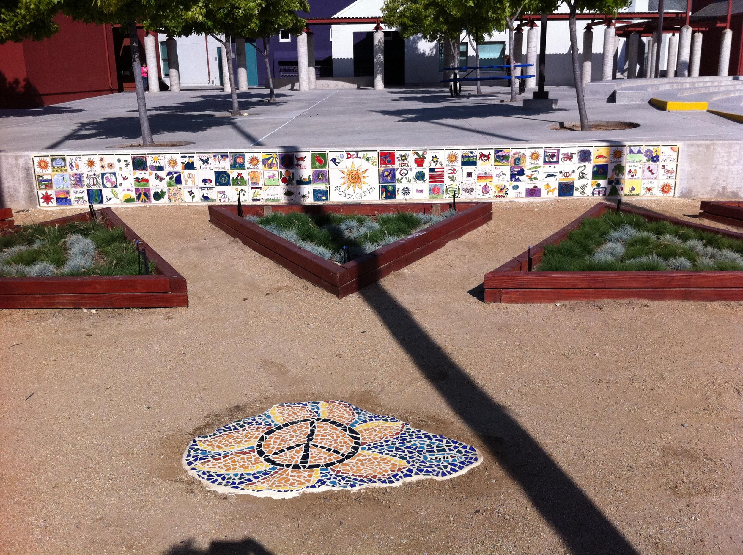 web peace walls - 01.JPG