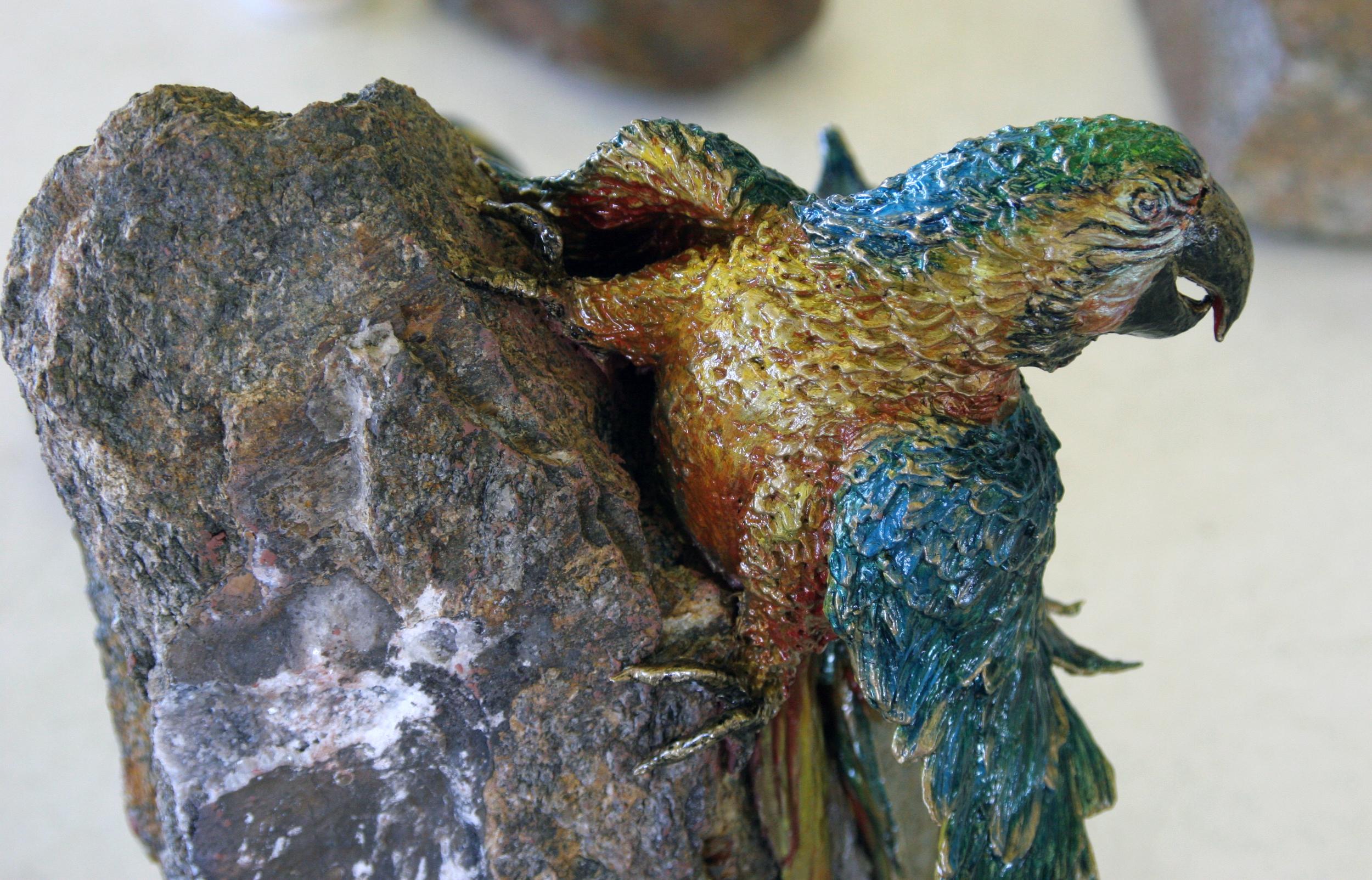 parrot sculpture .jpg