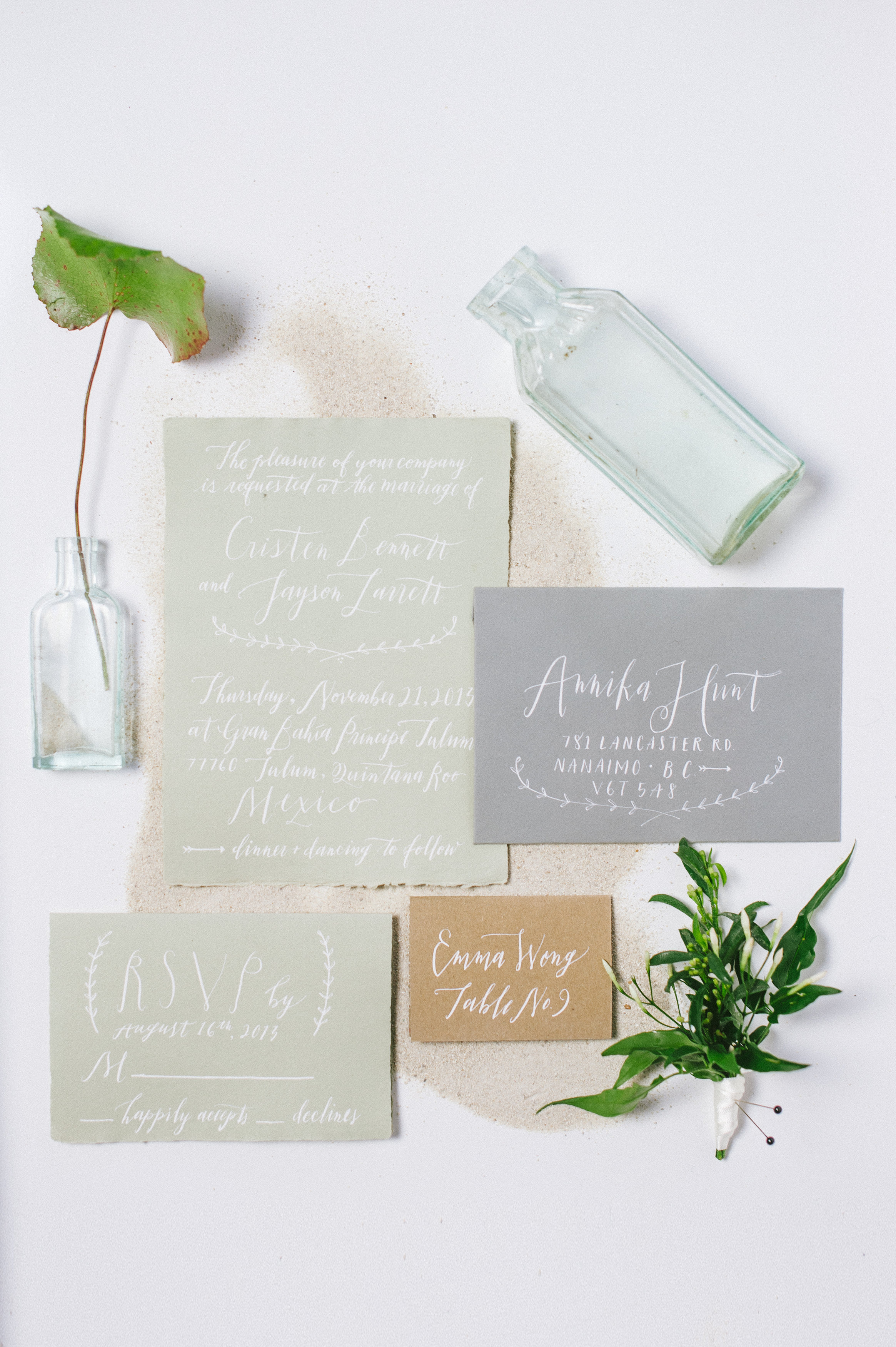 Inspired by the white sand of Mexico beaches for a wedding in Tulum. White and black ink. Photo by  Blush Wedding Photography .  Calligraphy by  Fox and Flourish .All handmade paper from Paper-Ya.