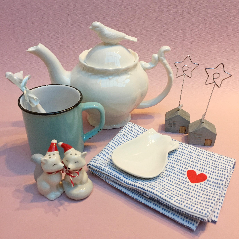 Women's xmas teapot.jpg