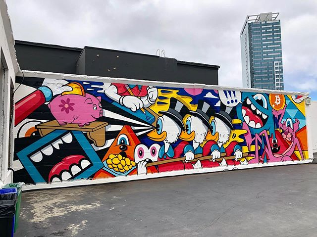 "Finished shots of my latest mural titled, ""The Bold will Hold"" painted live in San Francisco at the @bitcoin.conference. (Swipe 👈) - 44ft x 12ft • 65 Cans of Spray Paint • 2 Days of Painting. -  Special thanks to @wolfdoglives on the assist and @riley_io for having me out to rock it. - #gregmike #larryloudmouf #spraypaint #art #mural #sanfrancisco #streetart #newcontemporary #contemporaryart #painting #liveart #cryptocurrency #bitcoin #montanacans"
